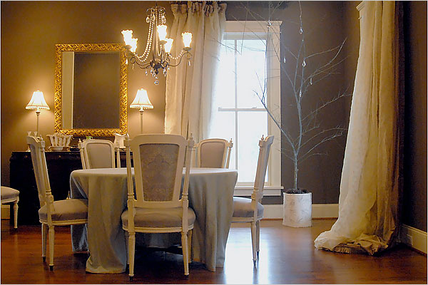 Taupe Walls - French - dining room