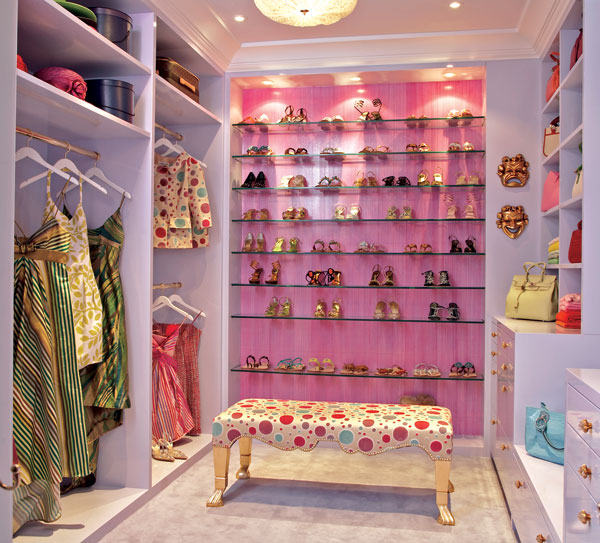luvdecor: walk in closet  purple closet