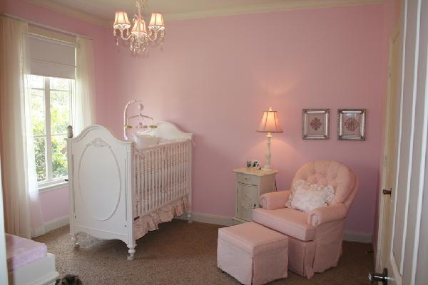 Pink nursert colors transitional nursery sherwin - Decoracion de habitacion de bebe nina ...