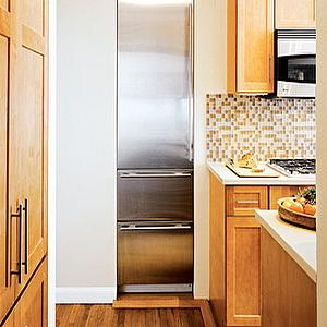 kitchens - sub zero fridge, built in refrigerator, maple cabinets, maple kitchen cabinets, glass tile, glass tile backsplash, built in freezer, glass tile kitchen backsplash,
