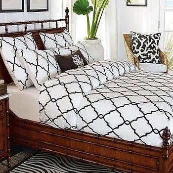 Bedding - Williams-Sonoma Home | Iron Gate Crewel Duvet Cover & Shams - bedding