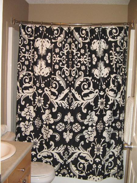 Damask bathroom set