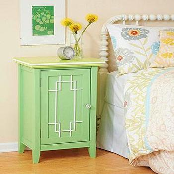 1 Nightstand 5 Ways: Garden Chic
