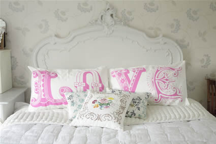 wallpaper love pink. Pink Love pillows (thx to