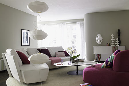 gray, purple, modern, gray living room with purple as accent color
