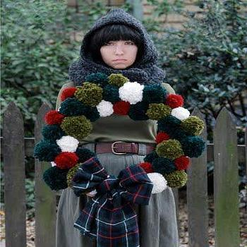 Miscellaneous - diy holiday pom pom wreath - diy holiday wreath