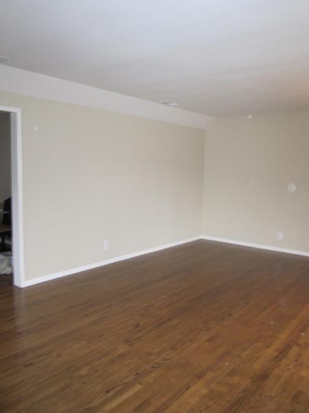 Living Room Benjamin Moore Carrington Beige