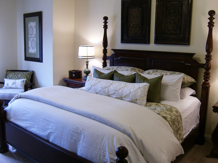 White And Green Bedding Traditional Bedroom Valspar