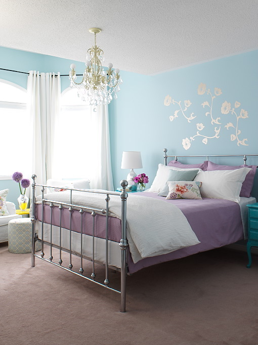 Margot Austin - girl&#039;s rooms - blue, walls, silver, wall mural sticker, metal bed, turquoise, blue, nightstand, blue, pillows, white, gray, Moroccan, ottoman, silver, lamp,