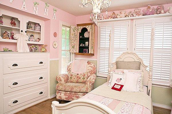 Cozy Couture Interiors - girl's rooms - Sherwin Williams - Pricilla, Honeydew - crystal chandelier, kravet, dolls, princess room, pink little girls room, pink and green room, accent chair, Cozy Couture Interiors, Tiffany Fulmer, Tiffany Todora Fulmer, pink nursery,