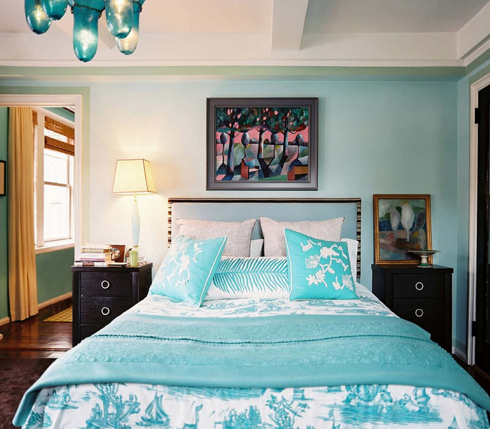 Turquoise upholstered headboard eclectic bedroom for Bedroom ideas turquoise