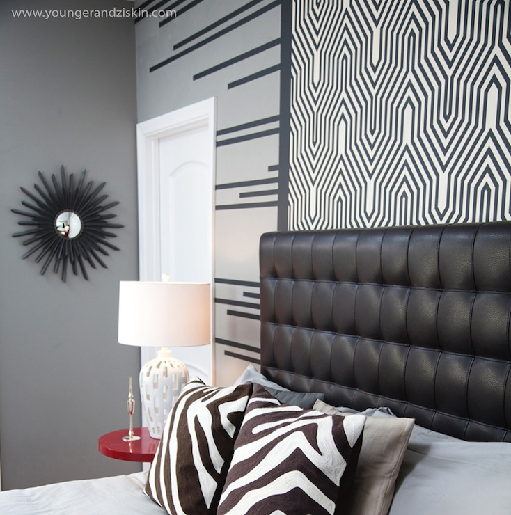 Camengo Tapete Little Friends : Black Leather Tufted Headboard
