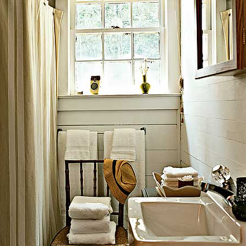My Home Ideas - bathrooms - country bathroom, paneled bathroom, wood paneled bathroom,  Beachy cottage bachelor's bathroom design with white