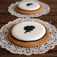 Miscellaneous - Cameo Cookies 6 Cookies by katiesomethingsweet on Etsy - cameo, cookies