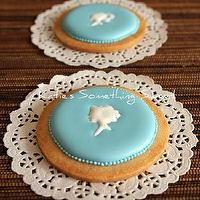 Miscellaneous - Cameo Cookies 6 Cookies by katiesomethingsweet on Etsy - blue, cameo, cookies