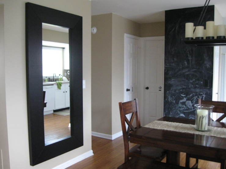MollyR: Dining room with chalkboard wall