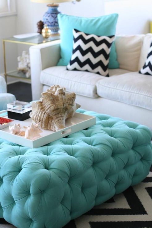 Suzie:  sugarlaws.com  chic white & turquois eblue living room design with white modern sofa, ...