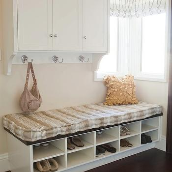 Alice Lane Home - laundry/mud rooms - mudroom, mudroom design, mudroom cabinets, mudroom storage, mudroom bench, mudroom cubbies, mudroom pin boards, mudroom cork boards, mudroom hooks, mudroom storage bench, mudroom shoe shelves, mudroom shoe storage, mudroom shoe storage bench, mudroom cubby bench,