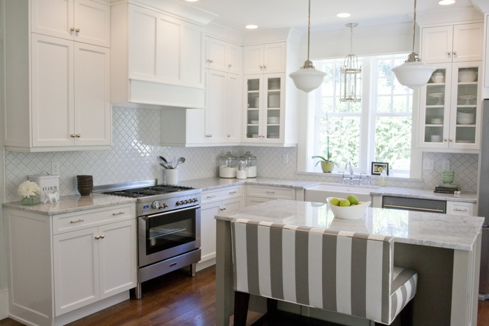 Suzie: Caitlin Creer Interiors Tiek Built Homes Meikel Reece Photography  Kitchen cabinets by ...