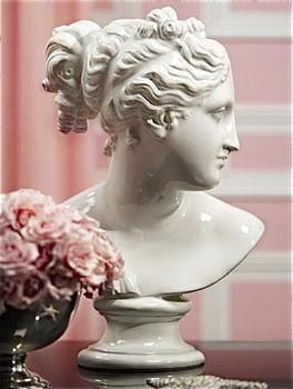 White Venus Bust, Pieces
