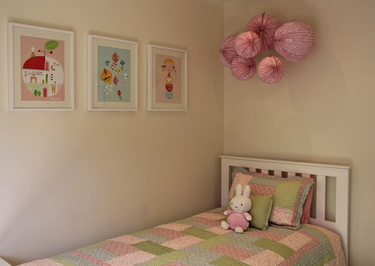 pink and green quilt traditional girl 39 s room