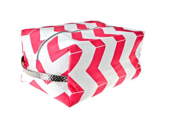 Miscellaneous - Hammocks & High Tea Chevron Dopp kit - pink, chevron, dopp, kit