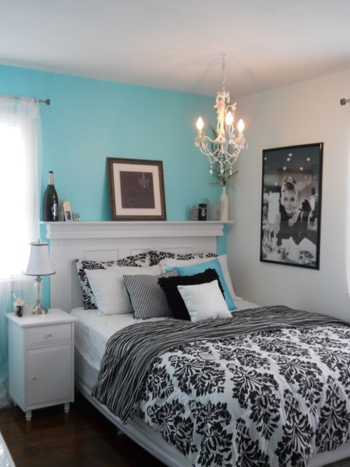Aqua white and black bedroom for Tiffany blue living room ideas
