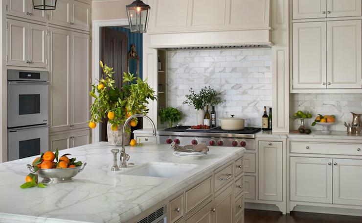 Cream kitchen cabinets traditional kitchen lauren for Kitchen design nelson