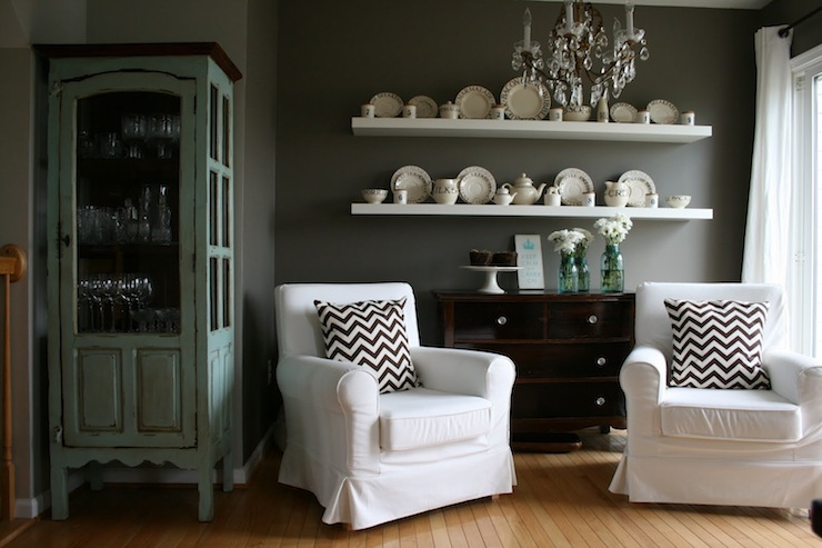 Dark gray walls cottage dining room ralph lauren for Dining room wall colors with dark furniture