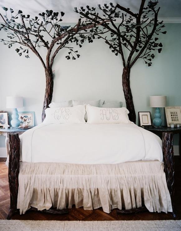 Forest bed eclectic bedroom benjamin moore tea light for Benjamin moore tea light
