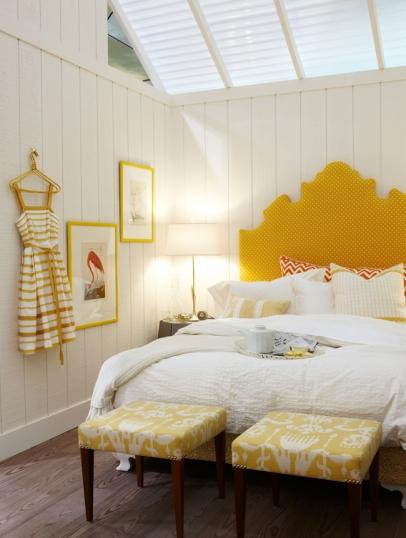 Yellow headboard cottage bedroom sarah richardson design for Sarah richardson bedroom designs