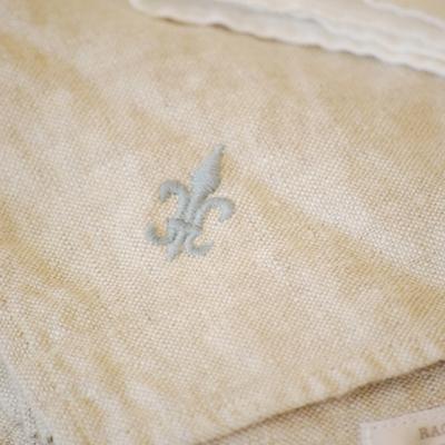 Decor/Accessories - Rachel Ashwell Shabby Chic Couture Linen napkin - fleur de lis, napkins
