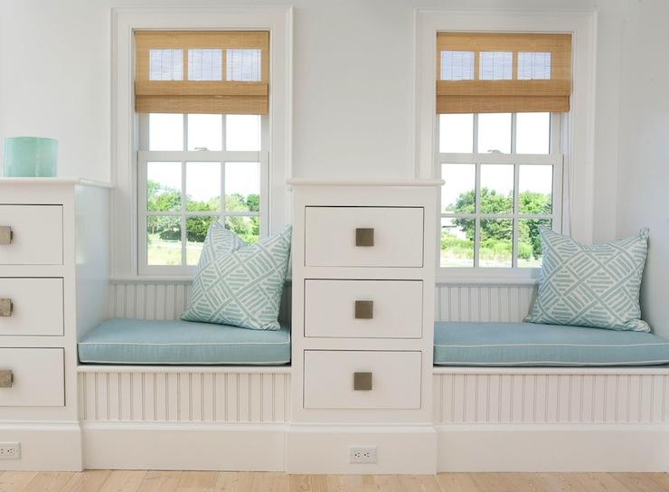 Beadboard window seat cottage bedroom lynn morgan design for Bedroom designs with window seat
