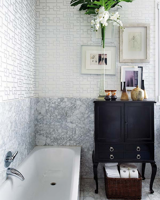 Silver Geometric Wallpaper - Eclectic - bathroom - Nuevo Estilo