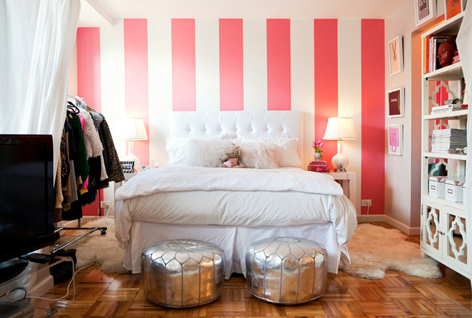 White and pink striped wall contemporary bedroom for Striped bedroom walls