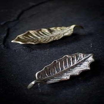 Decor/Accessories - Holly Leaf in Dark Gold or Silver</center> - holly, leaf