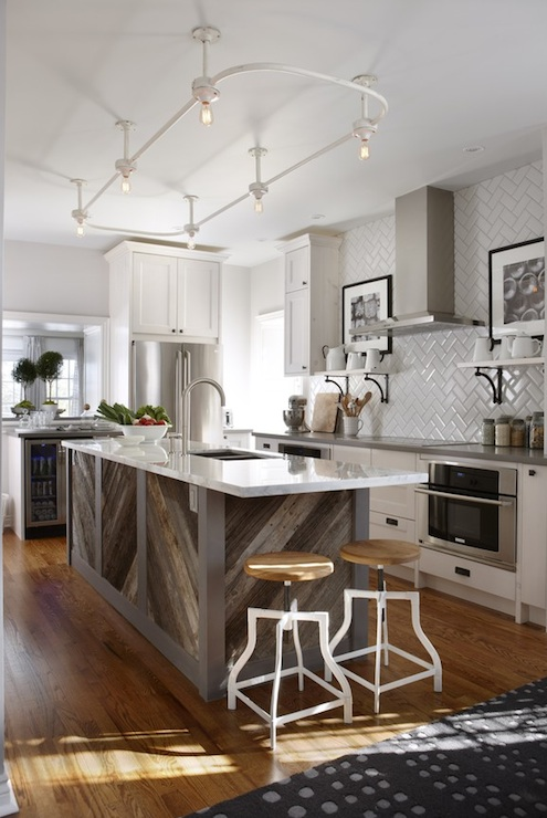 Track lighting kitchen contemporary kitchen para for Sarah richardson kitchen designs