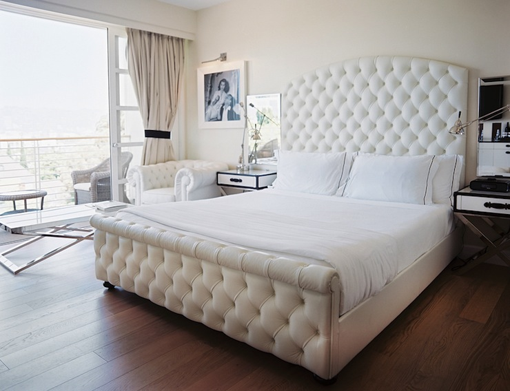 White Velvet Tufted Headboard Hollywood Regency  : 7c5ba13e0940 from www.decorpad.com size 740 x 568 jpeg 100kB