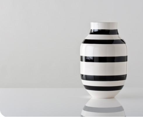 Large Black And White Omaggio Vase Gretel
