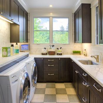 Beadboard cabinets, Traditional, laundry room, Polsky Perlstein Architects