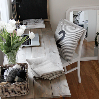 Wood Plank Desk, Cottage, den/library/office, Stylizimo Blog