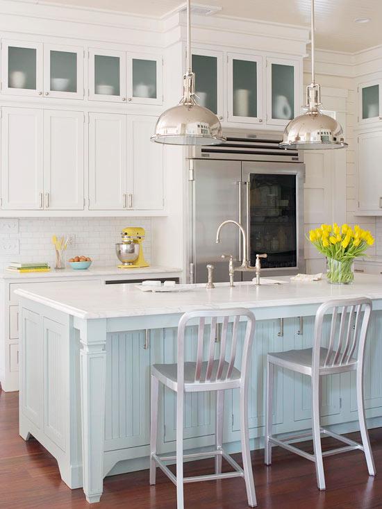 Blue kitchen island cottage kitchen bhg for Beach cottage kitchen cabinets
