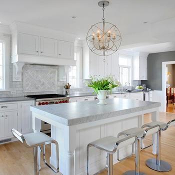 Bianco venatino marble countertop cottage kitchen for Benjamin moore chelsea gray kitchen