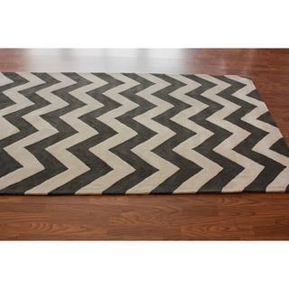 Rugs - Handmade Luna Easy Care Chevron Rug (5' x 8') | Overstock.com - gray, ivory, chervon, zig, zag, rug,