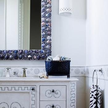 Seashells Mirror, Cottage, bathroom, Thomas Hamel