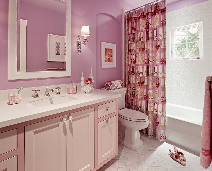 Girls 39 bathroom design contemporary bathroom for Pretty small bathroom ideas