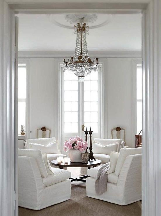Slipcovered chairs french living room slettvoll for Living room 2 seating areas