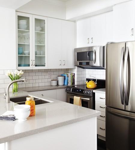Grey countertops contemporary kitchen benjamin moore for Benjamin moore oxford white kitchen cabinets