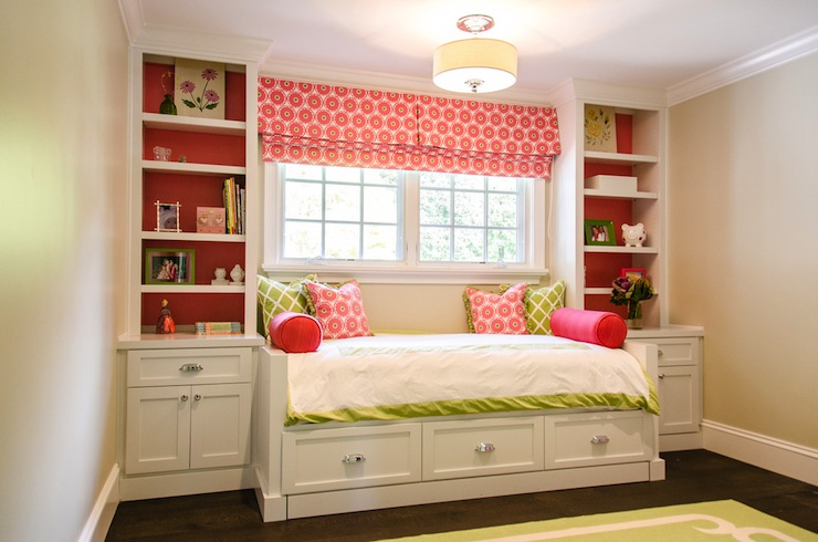 Built In Daybed Traditional Girl S Room Evars And