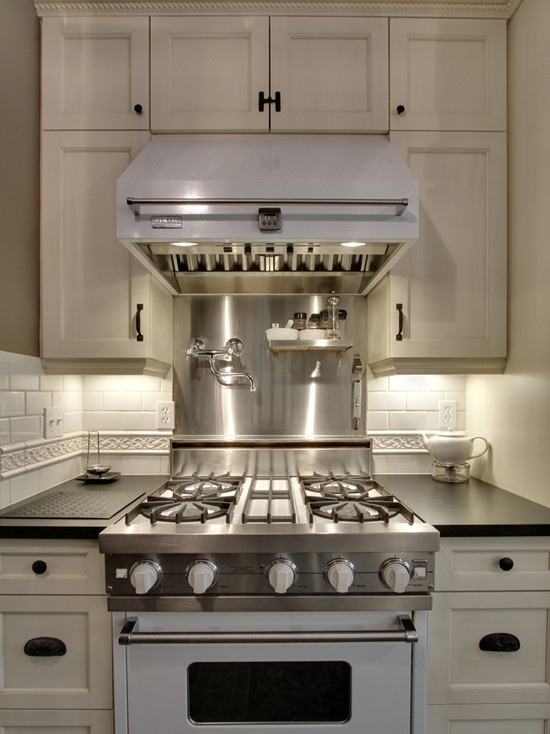 White Viking Range And Hood Transitional Kitchen